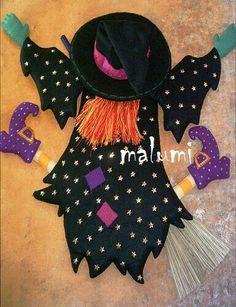I could do this on the front closet door Moldes Halloween, Bricolage Halloween, Adornos Halloween, Halloween Sewing, Halloween Crafts, Halloween Decorations, Country Halloween, Casa Halloween, Holidays Halloween