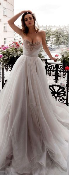 sweetheart neckline ball gown a line wedding dress #weddinggown #weddingdresses #wedding #weddings #weddingdress #weddinggowns