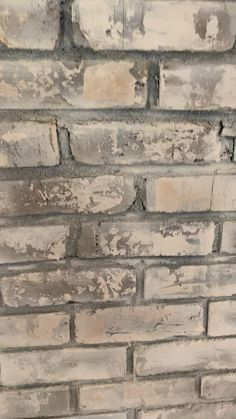 Faux finishing a brick chimney Faux Stone Walls, Painted Brick Walls, Stone Accent Walls, Accent Walls In Living Room, Brick And Stone, Brick Fireplace Makeover, Old Fireplace, Brick Wall Decor, Metal Wall Decor