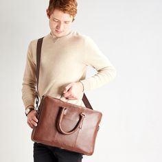 Laptop Briefcase, Leather Briefcase, Umbrella Holder, Leather Backpacks, Luggage Straps, Modern Man, Memory Foam, Shoulder Strap, Crossbody Bag