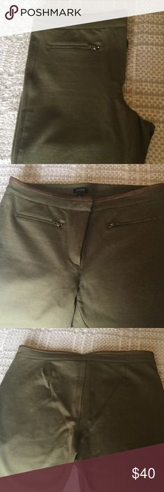 """Olive green riding pant Rayon/nylon/spandex stretch pant w/ two front zip pockets and leather trim at waistband. Skinny leg. Measure 38"""" from top of waistband.  Ankle measures 5"""" flat. J. Crew Pants Ankle & Cropped"""