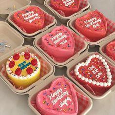 Fancy Cakes, Mini Cakes, Cupcake Cakes, Pretty Cakes, Beautiful Cakes, Cute Desserts, Dessert Recipes, Korean Cake, Korean Dessert