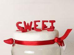 Individualisierte Gläser für den Sweettable oder die Candybar von www.tortenfiguren.at Cake, Desserts, Food, Kuchen, Tailgate Desserts, Pie, Dessert, Cakes, Postres