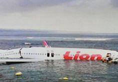 13-Apr-2013 13:00 - GEEN DODEN BIJ VLIEGTUIGCRASH BALI. Ruim honderd vliegtuigpassagiers en een onbekend aantal bemanningsleden zijn zaterdag aan de dood ontsnapt.