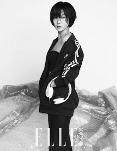 In the August edition of Elle Korea, Bae Doo Na dudes up in Adidas attire while she lounges amidst a clutter of crates, bubble wraps, and cardboard boxes. Long Ponytails, New Haircuts, Korean Actresses, Attractive People, Celebs, Celebrities, Cartoon Wallpaper, Fashion Photo, Short Hair Styles