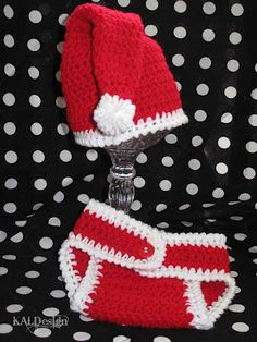Santa Hat....Perfect for a Christmas Newborn Photo Shoot