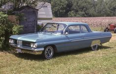 1962 Pontiac Strato Chief 2 door / Canadian