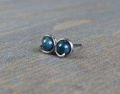 Small niobium stud earrings | Green jasper earrings | Hypoallergenic stud earrings by CharlotteAndBee on Etsy