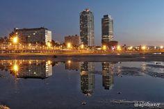 Platja de la Barceloneta a les 7:00h  #Catalunya_Fosca #IG_Catalonia #ClikCat #InformaCAT #Loves_Barcelona #Loves_Catalunya #DescobreixCatalunya #DescobreixTerritori #CatalunyaExperience #BCNmoltmes #ReflectionGram