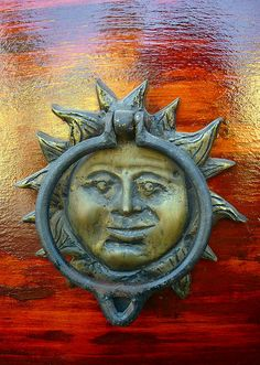 almost perfect knocker. I'd like the see the face angry rather than smiling. If that is possible.