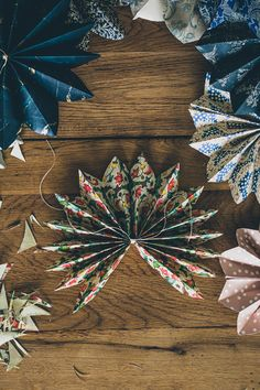 Sofia Jansson founded Mokkasin in 2009 and and freelances in photography, styling, DIY, marketing, PR and creative direction. Noel Christmas, Homemade Christmas, All Things Christmas, Winter Christmas, Christmas Ornaments, Paper Ornaments, Christmas Ideas, Navidad Diy, Christmas Inspiration