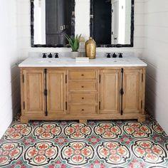 Patterned bathroom floor