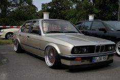 E30 SEITE Bmw E30, Bmw Cars, Cars And Motorcycles, Hot Rods, Classic Cars, London, Thoughts, Nice, Building