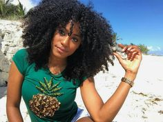 Natural beauty of the day #CurlyTreats   Image: @shesomajor Visit us on curlytreats.co.uk