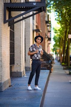 Oh anthonio - anthony urbano - men's hawaiian shirt closet content in Hawaiian Outfit Men, Black Hawaiian Shirt, Mens Hawaiian Shirts, Aloha Shirt, Hawaii Shirt Men, Hawaii Shirts, Moda Indie, Style Casual, Well Dressed Men