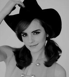 "watsonlove:""""Emma Watson photographed for Elle US "" Emma Watson Young, Emma Watson Fan, Emma Watson Style, Emma Love, Emma Watson Beautiful, Emma Watson Sexiest, Sofia Coppola, Logan Lerman, Daniel Radcliffe"