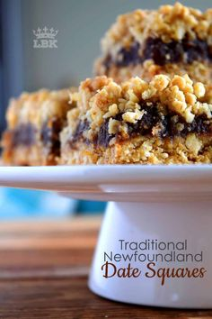 Newfoundland Date Squares are a traditional Newfoundland treat! Slightly sweet, with a crumbly topping, and a soft, chewy center, perfect for an afternoon snack with a cup of hot tea! Date Recipes Desserts, Raw Desserts, Easy Cookie Recipes, Delicious Desserts, Yummy Food, Puffed Wheat Squares, Honeycomb Recipe, Newfoundland Recipes, Date Squares