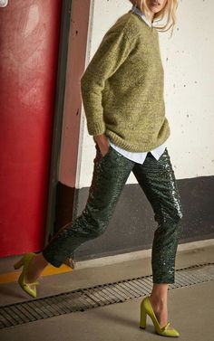Head to toe green outfit - knit sweater, sequin pants and heels Party Fashion, Look Fashion, Fashion Outfits, Womens Fashion, Fashion Trends, Net Fashion, Jeans Fashion, Runway Fashion, Fashion Ideas