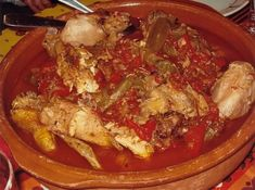 Poulet basquaise traditionnel Pork, Food And Drink, Beef, Chicken, Cooking, France, Dom Tom, Barbecue, Good Times