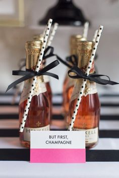 10 inspirações para arrasar nas lembrancinhas para Chá de Lingerie Bridal Shower Rustic, Bridal Shower Favors, Bridal Showers, Kate Spade Party, Kate Spade Bridal, Champagne Birthday, Champagne Party, Pink Parties, Themed Parties