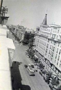 Vista de la calle Alcalá, desde un ático de Alcalá 104. Madrid, 1960  - Portal Fuenterrebollo
