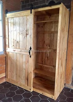 Have a look at the closet plan, the door is sliding and this area of the closet is for hanging the clothes. It is neat from inside and this view is for those who think that the pallets are not smooth or neat in looks.