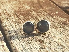 Been having a tidy up, organising and filing the photos on my phone over the last few days and found these lush gem set labradorite and sterling silver stud earrings that I made a good old while back for myself...so a real contender for #tbt   #thebuttonprincess #handmade #jewellery #jewelry #silver #silverjewellery #silverjewelry #silversmith #silversmithing #metalsmith #metalsmithing #instacraft #instasmithing #ilovehandmade #metalstamping #metalstamps #labradorite #gemset #earrings