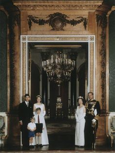 xlilibetandphilip:  The Royal Family by Thomas Patrick John Anson, 5th Earl of Lichfield (great-nephew of Queen Elizabeth the Queen Mother), October 1967.  Charles, Anne, Andrew, and Edward, The Queen and The Duke of Edinburgh.
