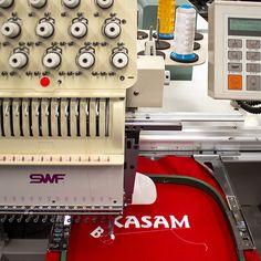 Maquina industrial con panel de funciones digital y lector de ursb dc16e30cb87