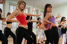 Zumba is an aerobic dance type which helps you to reduce your weight effectively. Zumba workout help you to relax your mind, give you a fresh start, tighter abs. Health Guru, Health Class, Health Trends, Line Dance, Pregnancy Health, Pregnancy Workout, Prenatal Workout, Dance Workout Dvds, Zumba Workouts