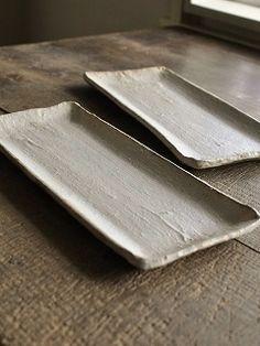 長板皿 灰粉引 残1 - 器と暮らしの道具 OLIOLI