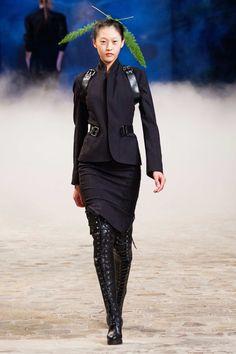 A.F. Vandevorst Spring 2015 RTW - Paris Fashion Week