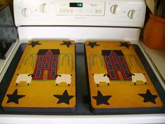 primitive burner covers for electric stove Primitive Sheep, Primitive Kitchen, Primitive Country, Primitive Crafts, Country Crafts, Country Decor, Rustic Decor, Electric Stove Burner Covers, Stove Top Burners