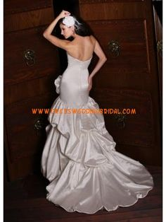 Strapless Mermaid Ruched Pick-Ups Satin Customized Wedding Gowns 2013