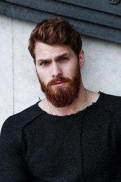 I really just like looking at this awesome red beard! Are you looking for some advice on how to grow a beard naturally? Then we have some excellent tips that will for sure work out for you. Ginger Men, Ginger Beard, Beard Styles For Men, Hair And Beard Styles, Conditioner For Men, Red Hair Men, Redhead Men, Red Beard, Short Beard