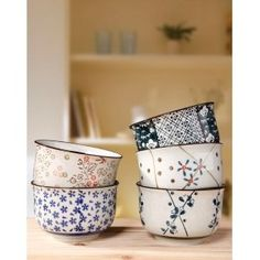 Bols japonais hand-painted by Zakka Ceramic Pottery, Ceramic Art, Japanese Pottery, Japanese Bowls, Pottery Painting, Plates And Bowls, Dinnerware, Biscuit, Tea Pots