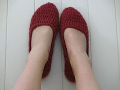 Jay's Boutique Blog: FREE PATTERN: Women's House Slippers