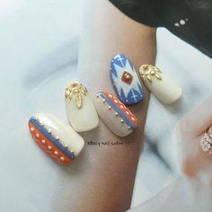네일아트 - 보헤미안 스타일의 가을네일아트 가로수길네일샵 Chic Nails, Classy Nails, Fancy Nails, Indian Nail Designs, Nail Art Designs, Super Cute Nails, Pretty Nails, Asian Nail Art, Western Nails