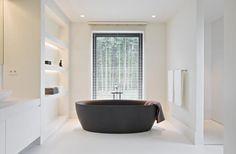 Black tub.