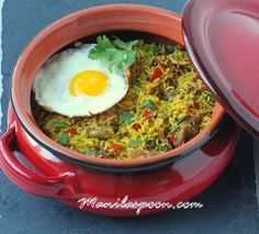 Oh so aromatic and full of flavor is this Indonesian Fried Rice (Nasi Goreng)! Easy and delicious side dish for sure!