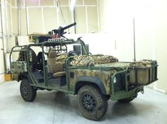 land rover- Now this is a Hunting Wagon diy Halloween wagon idea