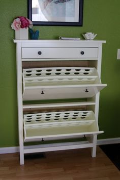 IKEA Shoe Organizer via I Heart Organizing- I want this for the laundry room. Wish we had a ikea store close by :(