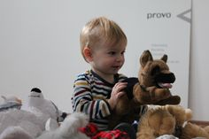Kuscheltier-Weihnachtsaktion Backstage, Teddy Bear, Baby, Animals, Cuddling, Animaux, Babies, Animal, Animales