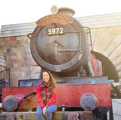 Getting ready to board the Hogwarts Express. Be back after Year 7. (Source: @MelanieSutra on Instagram)