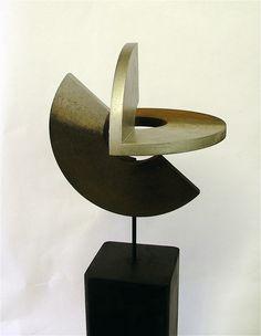 "RAMÓN URBÁN -  ""SECRETO ARTIFICIO XX"" Técnica mixta madera/metal, 58x20 cm"