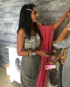 Anika Dresses In Ishqbaaz, Lehenga Skirt, Surbhi Chandna, Hand Jewelry, Indian Couture, Beautiful Actresses, Indian Outfits, Bollywood, Sari