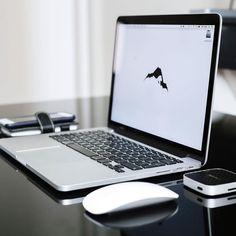 Follow  My new EDC page @worldedc  Photo: @alaskasetups  #apple #applegeek #macintosh #photographer #everydaycarry #workspace #html5 #geek #developer #workplace #javascript #macos #webdeveloper #vanagonlife #macbook #ux #php #programming #mysql #softwaredeveloper #arduino #picture #linux #art #designer #workstation #java #coder #travel by macintosh_setups