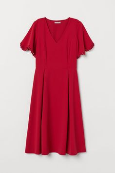 Strukturvävd klänning Dimgrön DAM | H&M SE