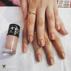 repost para @juhfonseka Que tal deixar suas unhas ainda mais bonitas? Unhas minimalistas. ... vem vc tbm! #espacodellasbar#instarepost20
