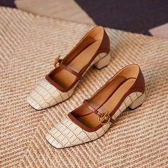 Chiko Kymberlyn Pointed Toe Block Heels Clogs/Mules Shoes Heels Pumps, Kitten Heel Pumps, Stiletto Pumps, Mules Shoes, Flat Shoes, Kitten Heels Outfit, Flat Dress Shoes, Women's Shoes, Pointed Toe Block Heel